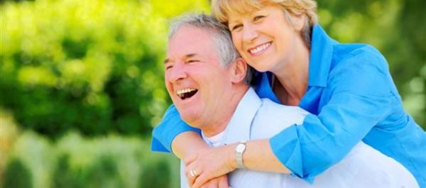 senior-couple-laughing